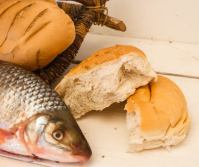 Fish and loaves